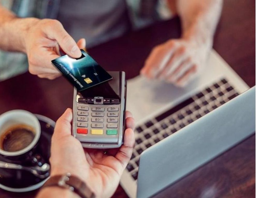 Why your next contactless credit card might have a fingerprint scanner built-in